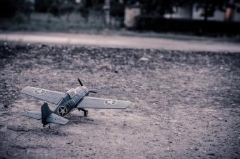 model-aircraft-384868_640